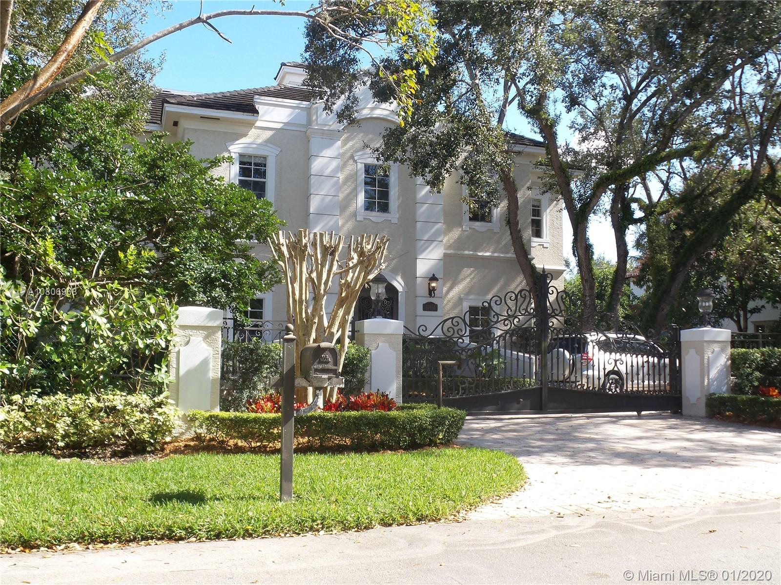 10975 SW 84th Ave  For Sale A10806968, FL