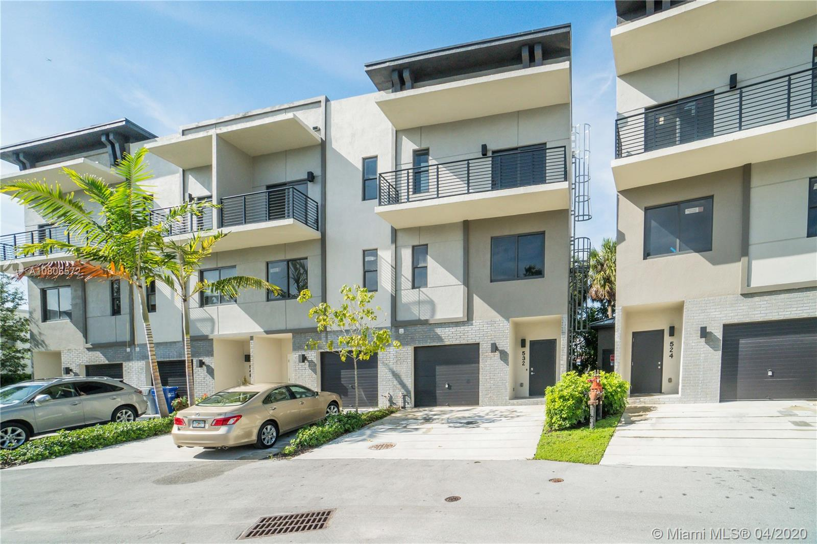 532 SE 1st Circle 20, Pompano Beach, FL 33060
