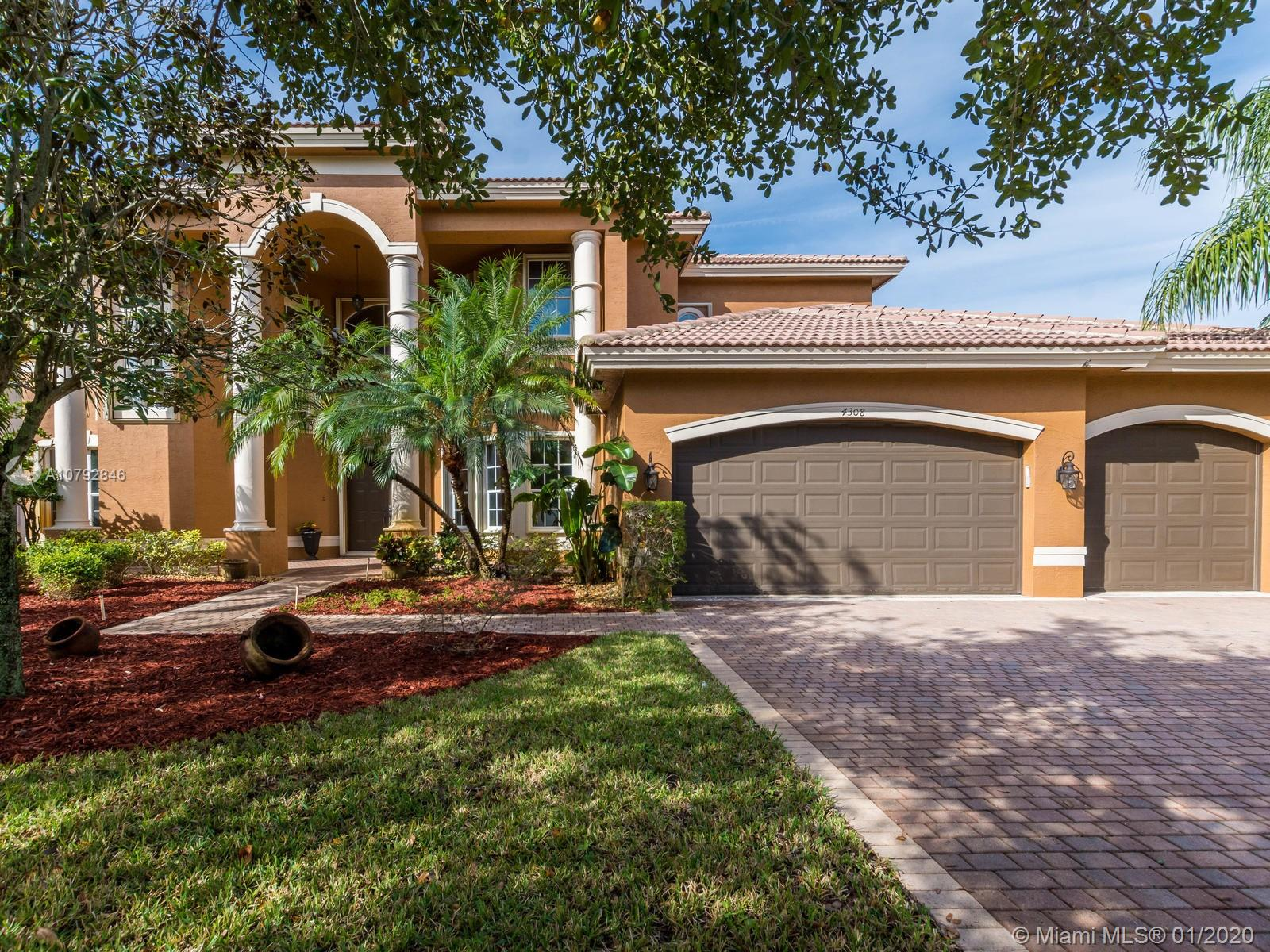4308 SW 195th Ter  For Sale A10792846, FL