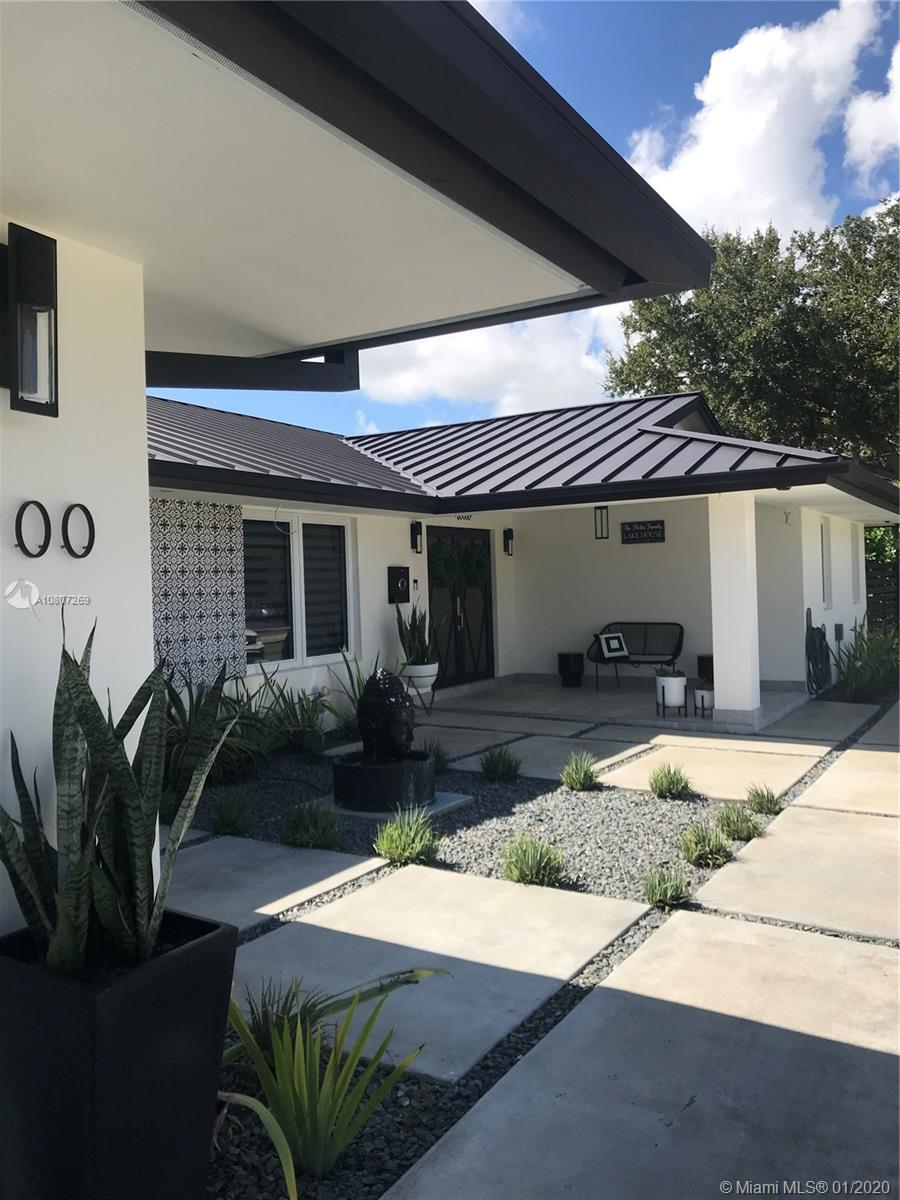 8900 SW 192nd Dr  For Sale A10807269, FL