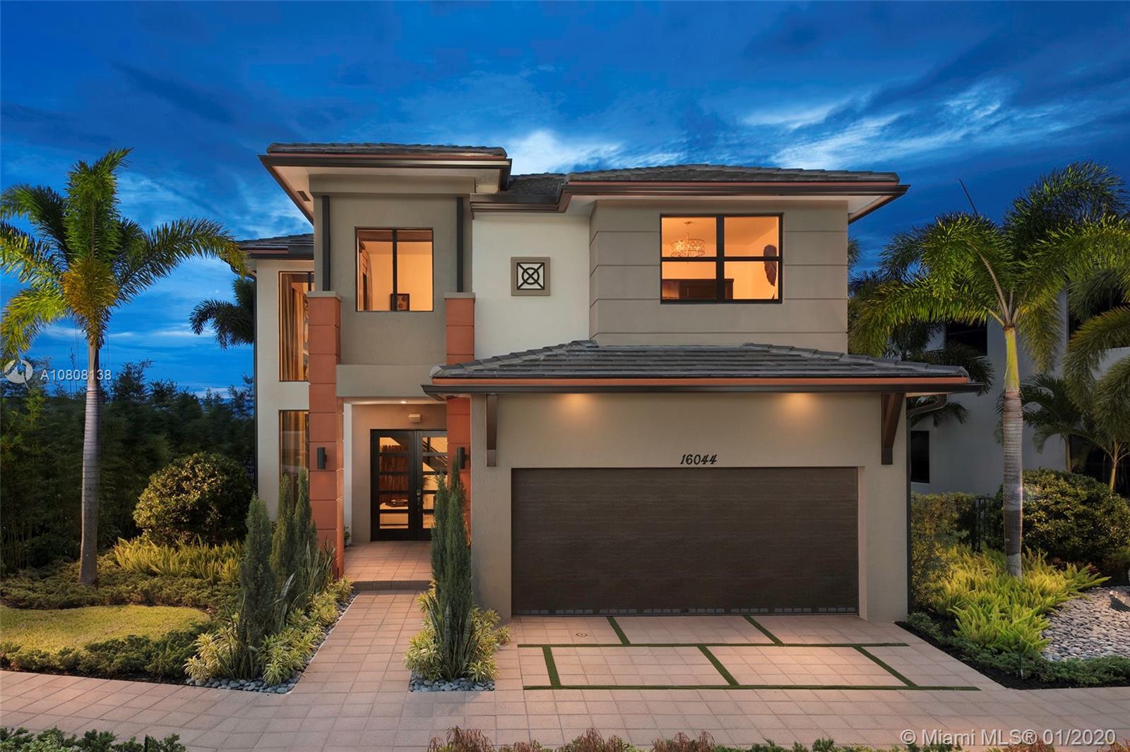 8880 NW 161 TERR, Miami Lakes, FL 33018
