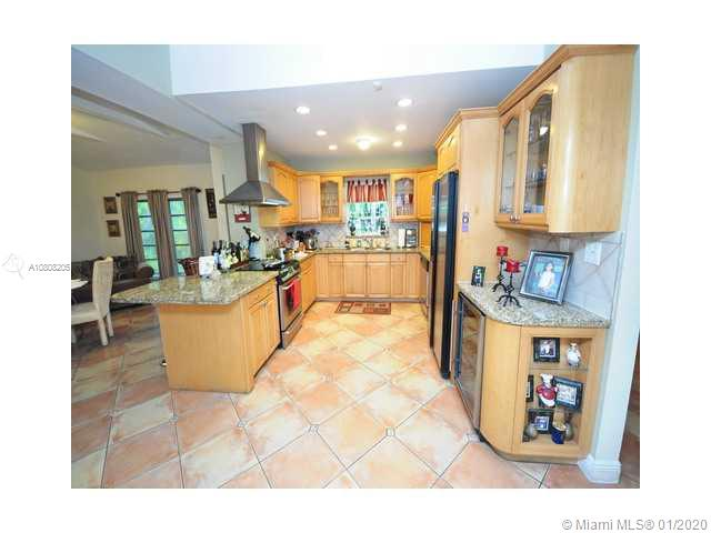 6200 SW 114 ST  For Sale A10808205, FL