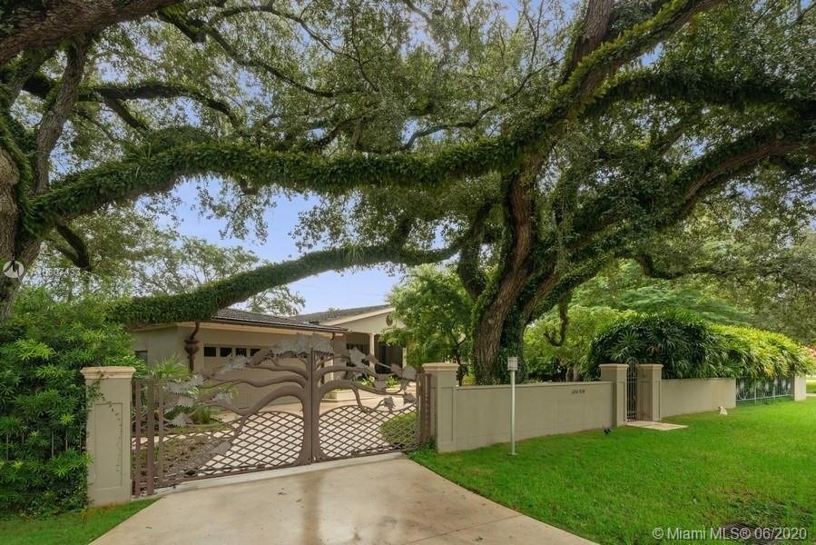 4919  Biltmore Dr  For Sale A10807433, FL