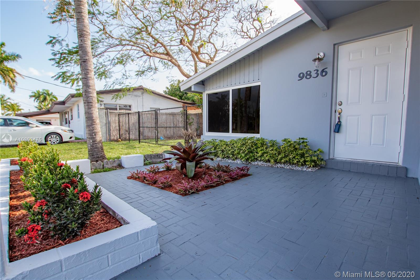 9836  Sterling Dr  For Sale A10803475, FL