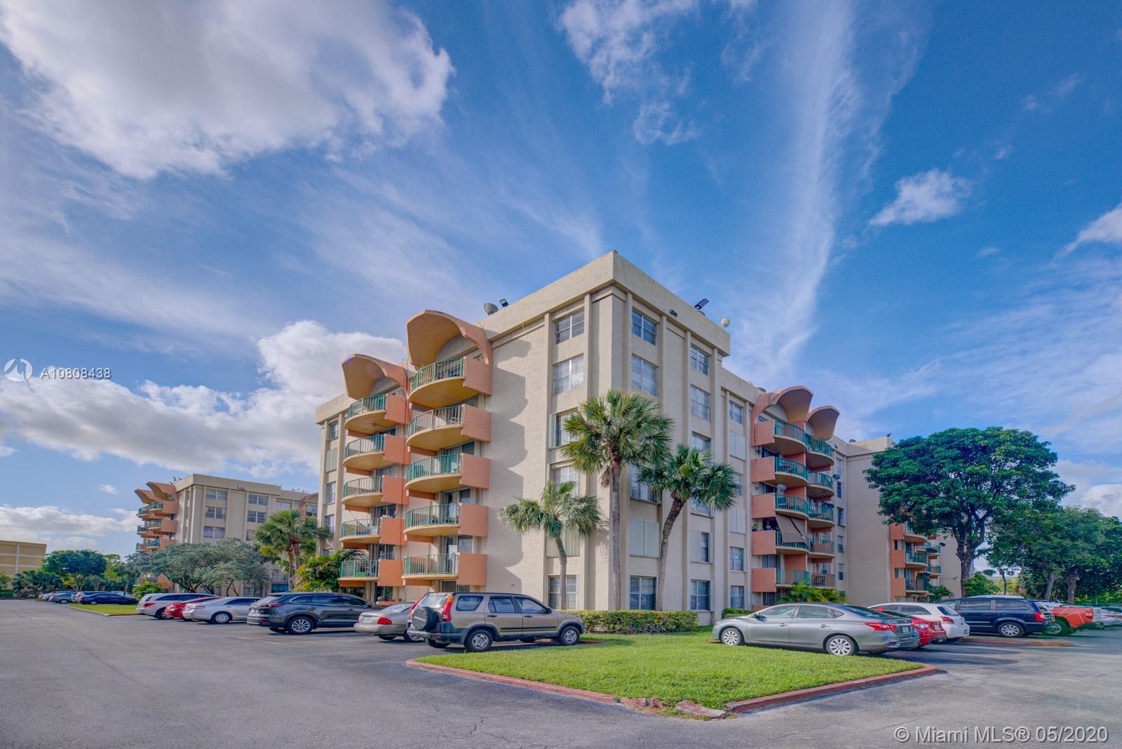9320 Fontainebleau Blvd 211, Miami, FL 33172