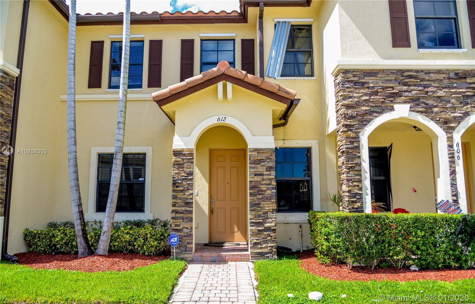 612 SE 32nd Ave  For Sale A10808305, FL