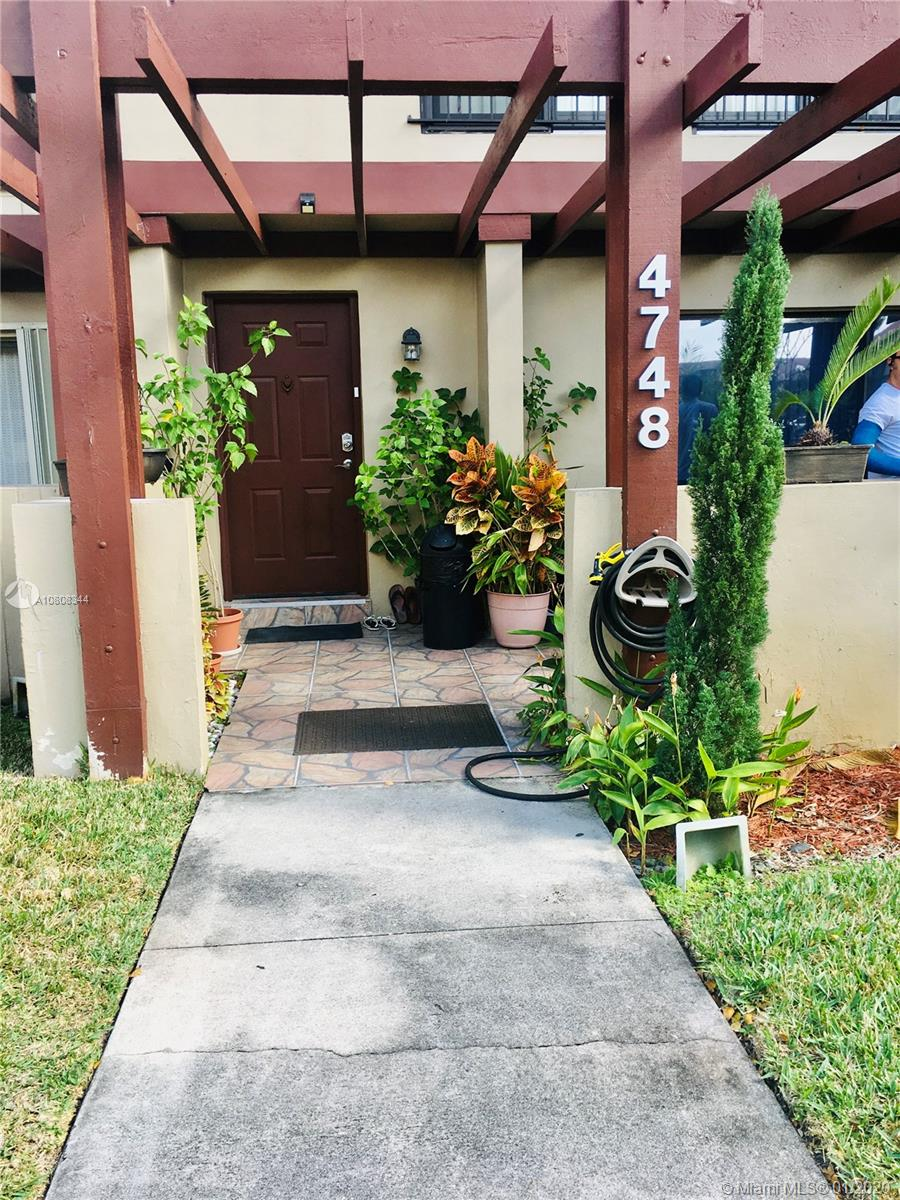 4748  Sheridan St #3 For Sale A10808344, FL