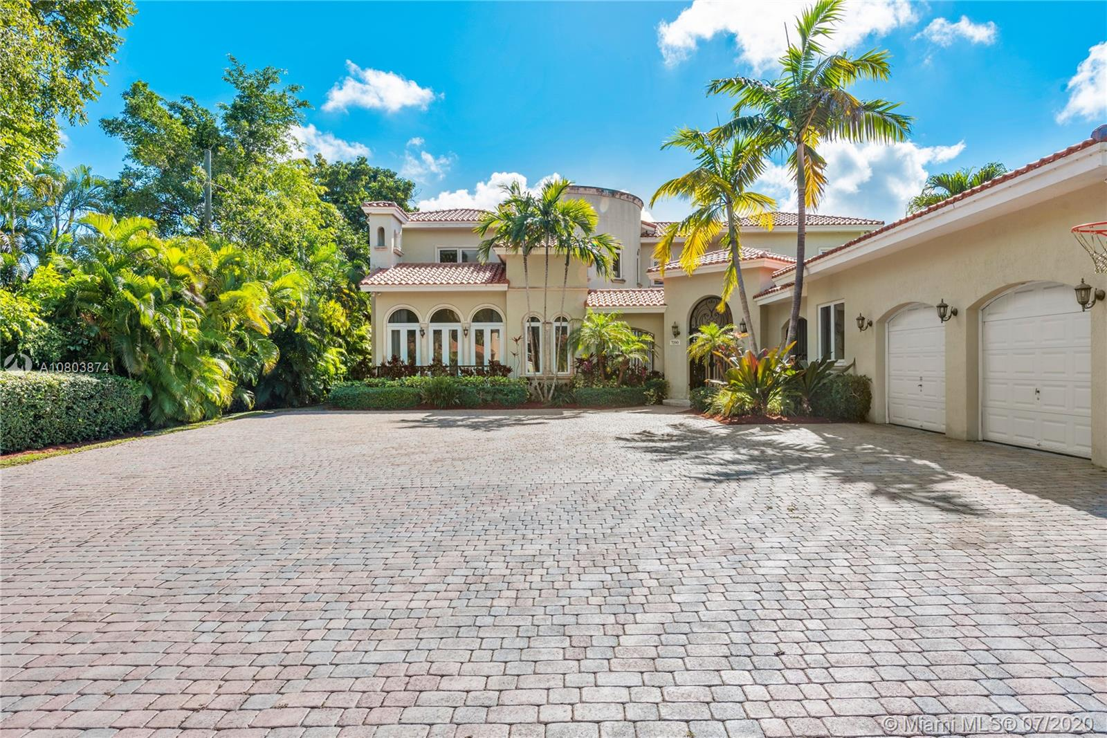7290 SW 104th St  For Sale A10803874, FL