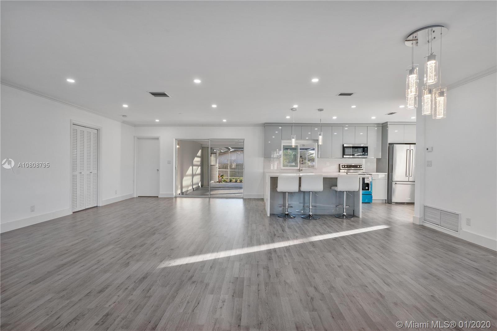4730 W Park Rd, Hollywood, FL 33021
