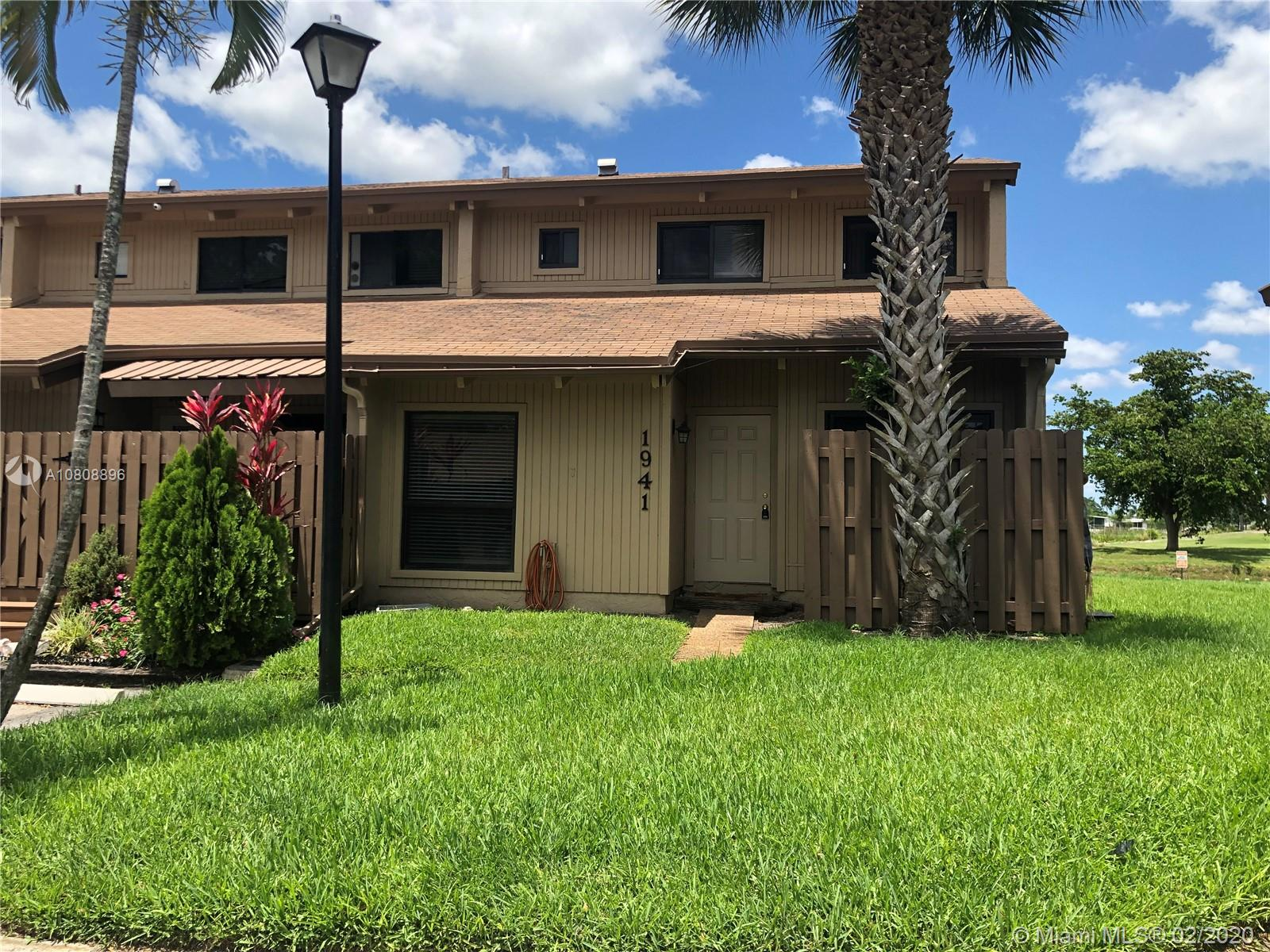 1941 SW 82nd Ave #1941 For Sale A10808896, FL