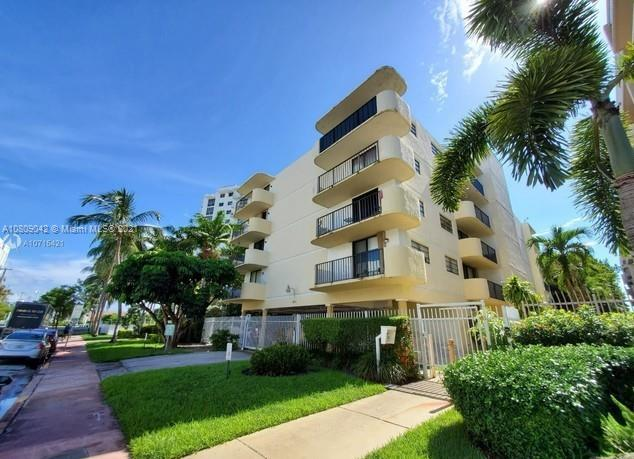 1673  Bay Road #303 For Sale A10809042, FL
