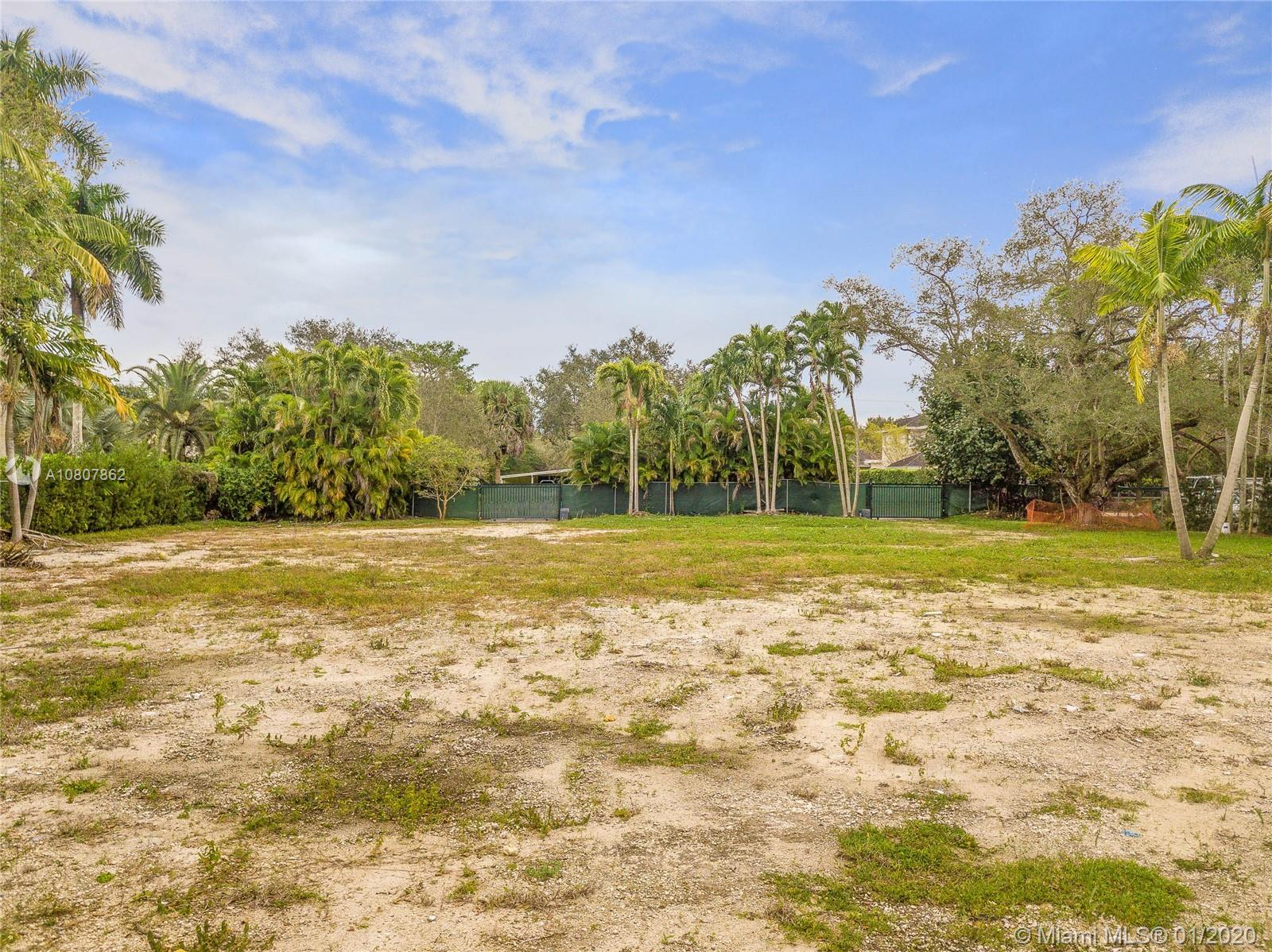 9840 SW 60th Ct  For Sale A10807862, FL