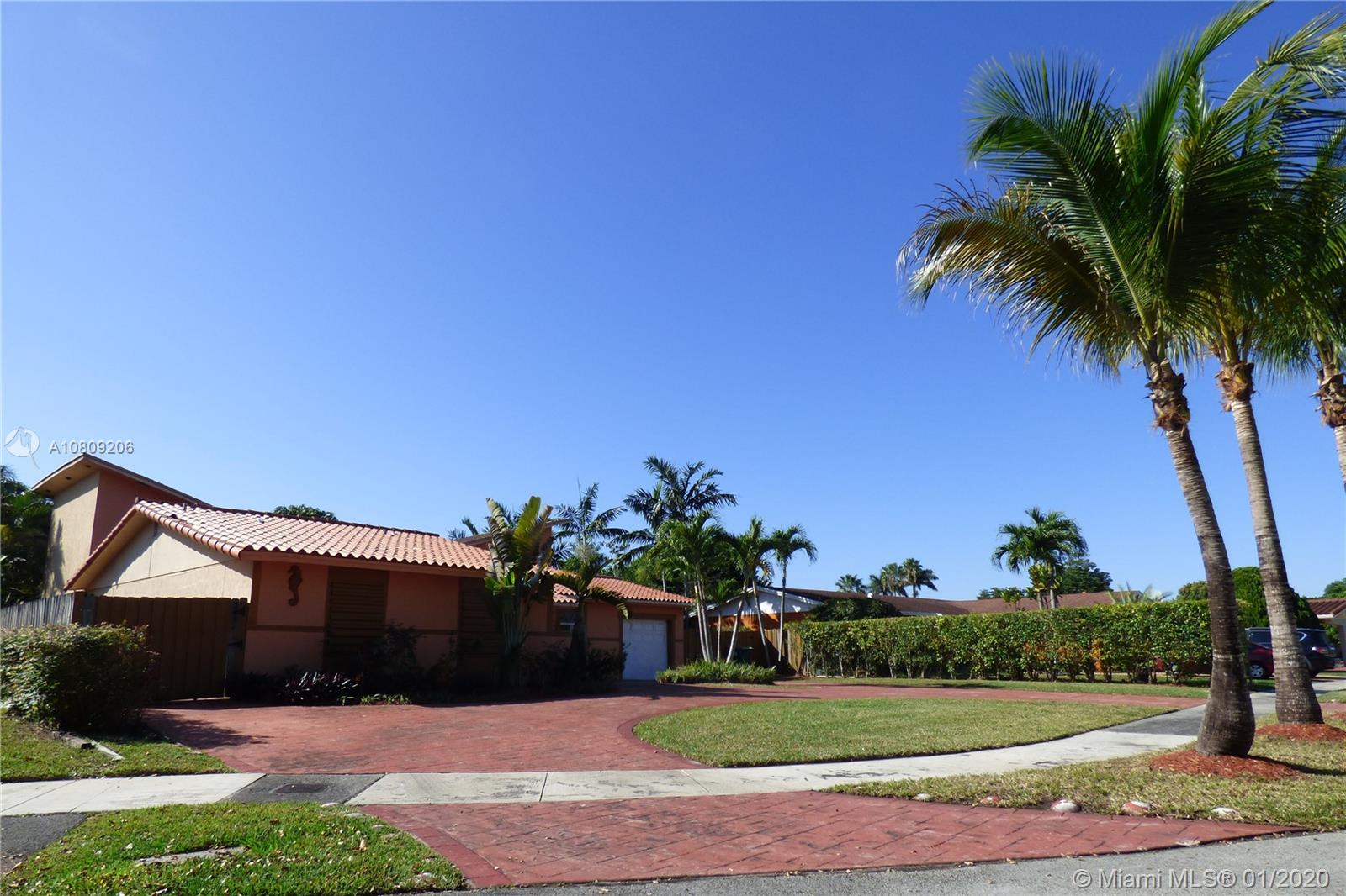 12910 SW 83rd St  For Sale A10809206, FL