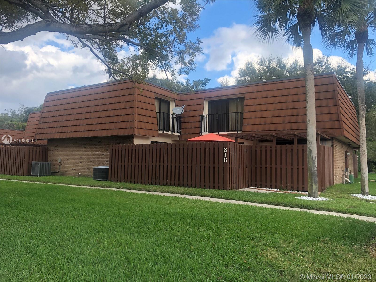 816 SW 119th Way #816 For Sale A10809494, FL