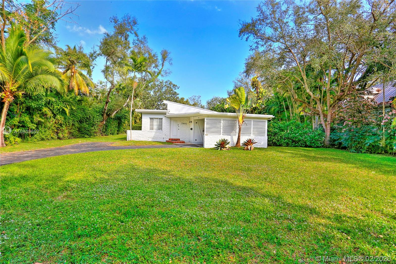 7895 SW 52nd Ct  For Sale A10809652, FL