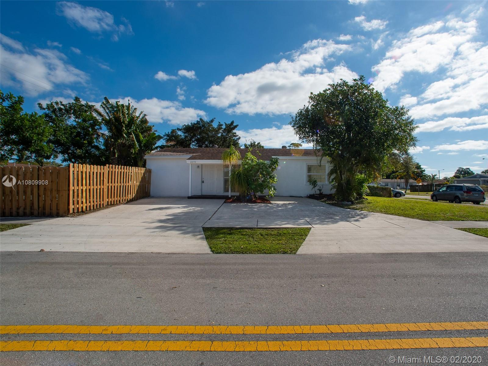 2270 SW 44th Ave  For Sale A10809908, FL