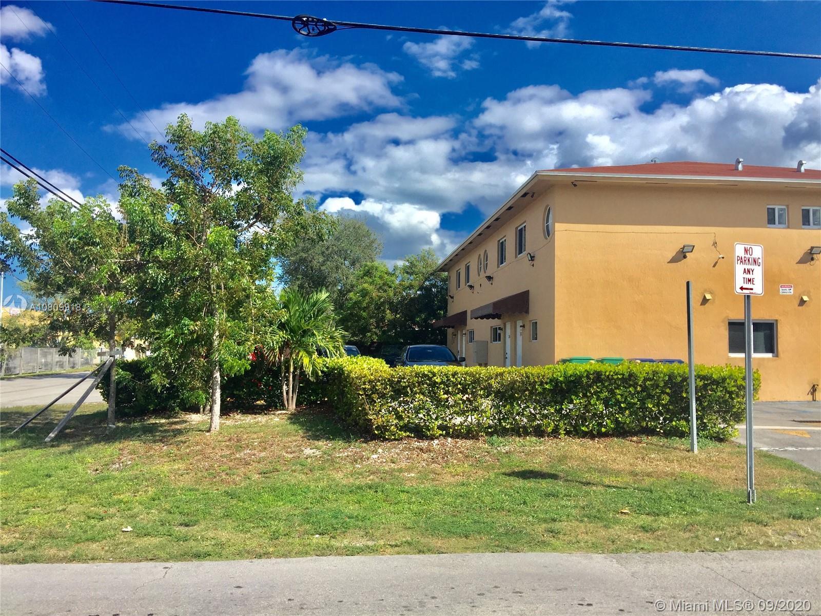 300 NE 166th St, North Miami Beach, FL 33162