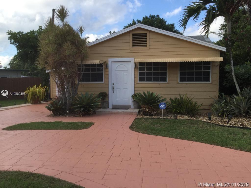 5859  Garfield St  For Sale A10809478, FL