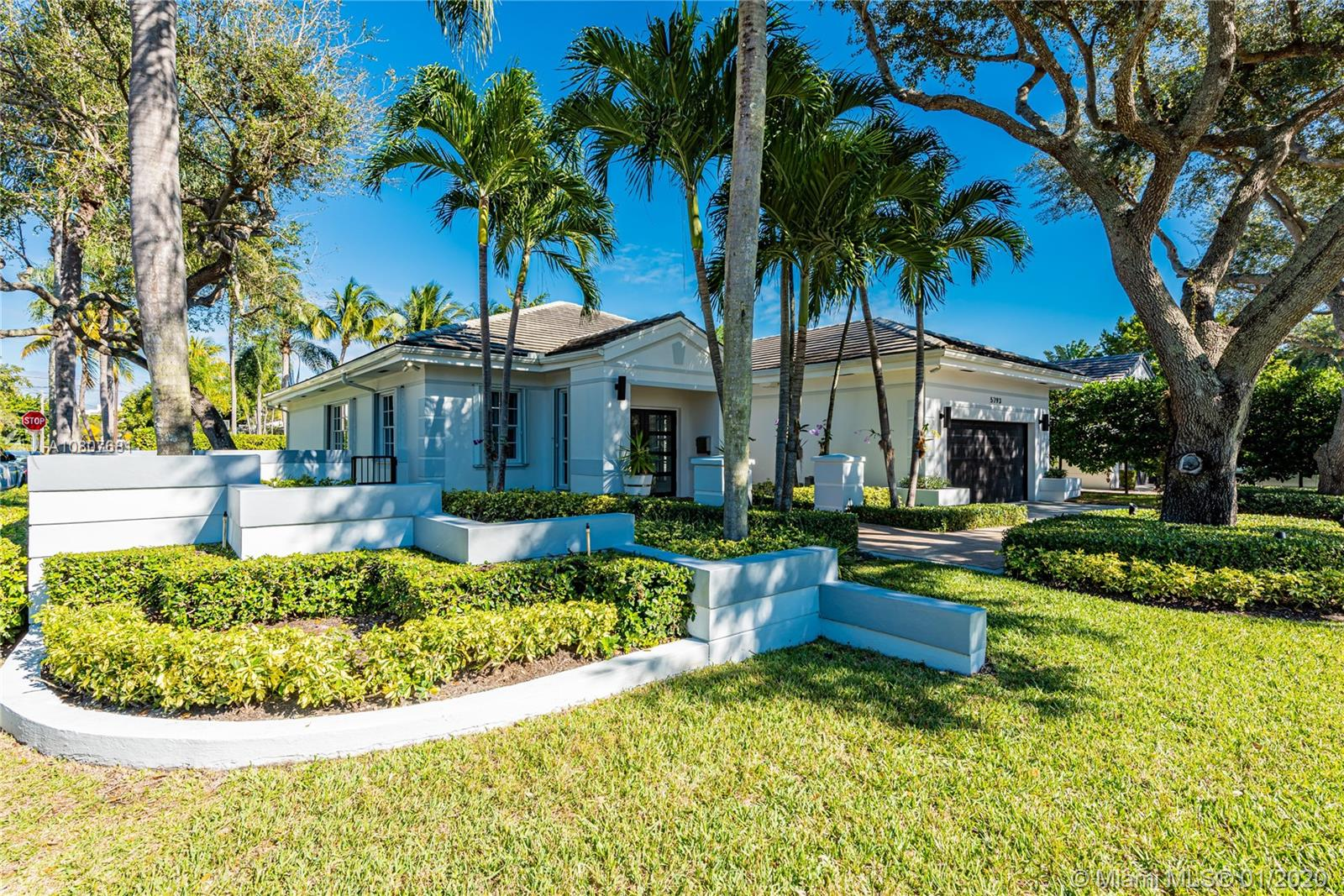 5793 SW 76th Ter  For Sale A10807681, FL