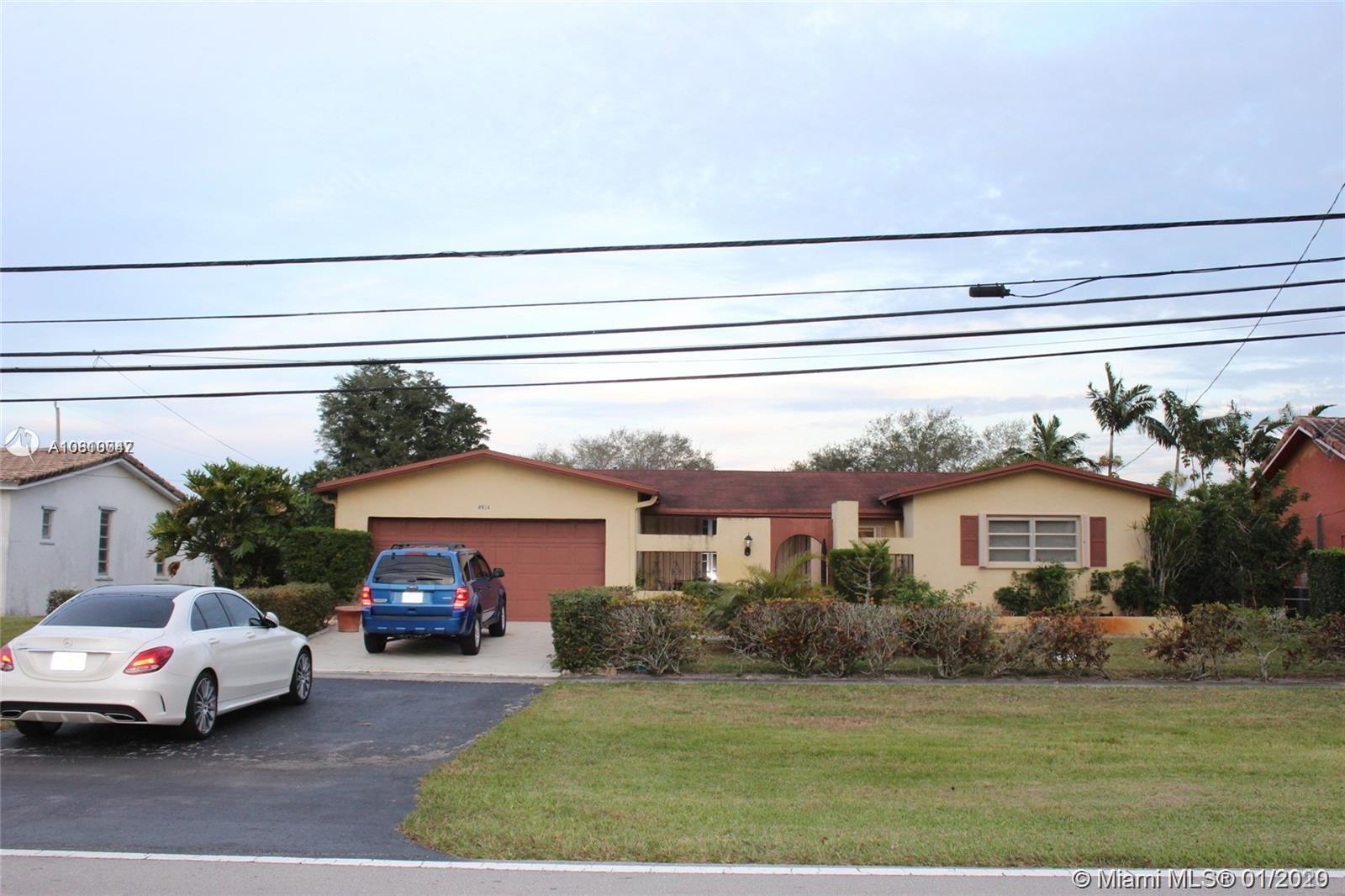 BEAUTIFUL SINGLE FAMILY HOME IN COOPER CITY. GREAT SCHOOLS WITH 2 CAR GARAGE ATTACHED WITH A LOT OF EXTRA PARKING 3 BEDROOMS 2 BATHROOMS FULL OPEN KITCHEN WITH POOL AND GOLF VIEW. SCREEN SWIMMING POOL ENCLOSURE AND BIG BACKYARD.