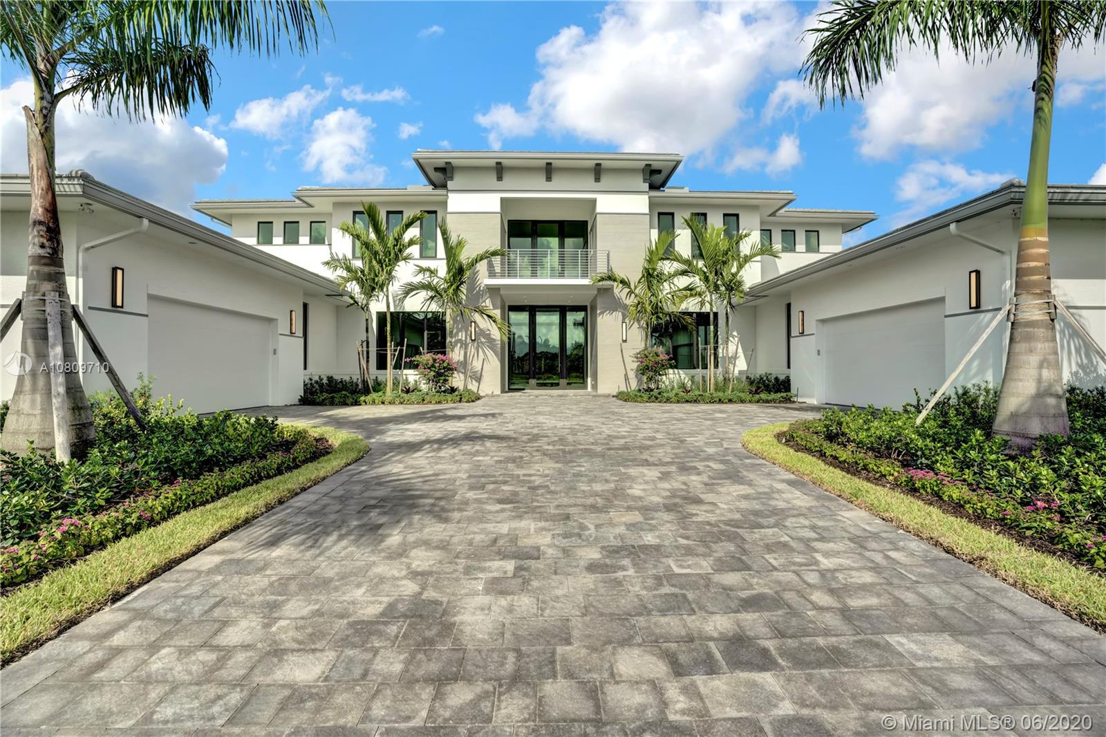 2829  Lake Ridge Lane  For Sale A10809710, FL