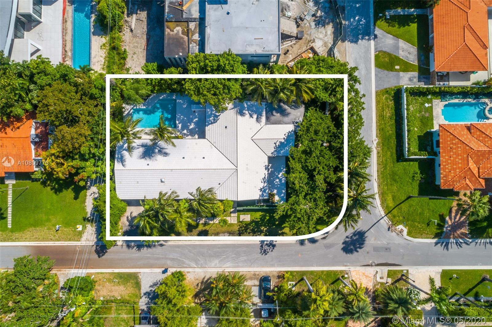 250 N Hibiscus Dr  For Sale A10809770, FL