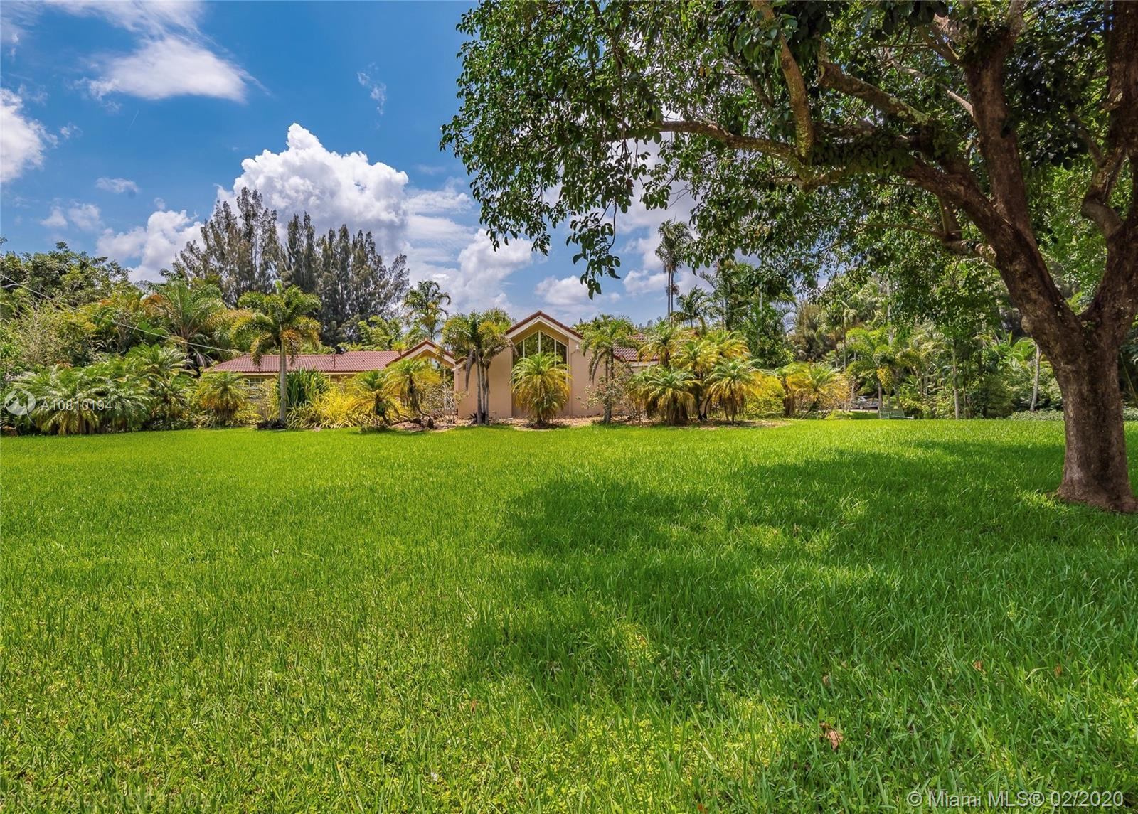 4101 SW 101st Ave  For Sale A10810194, FL