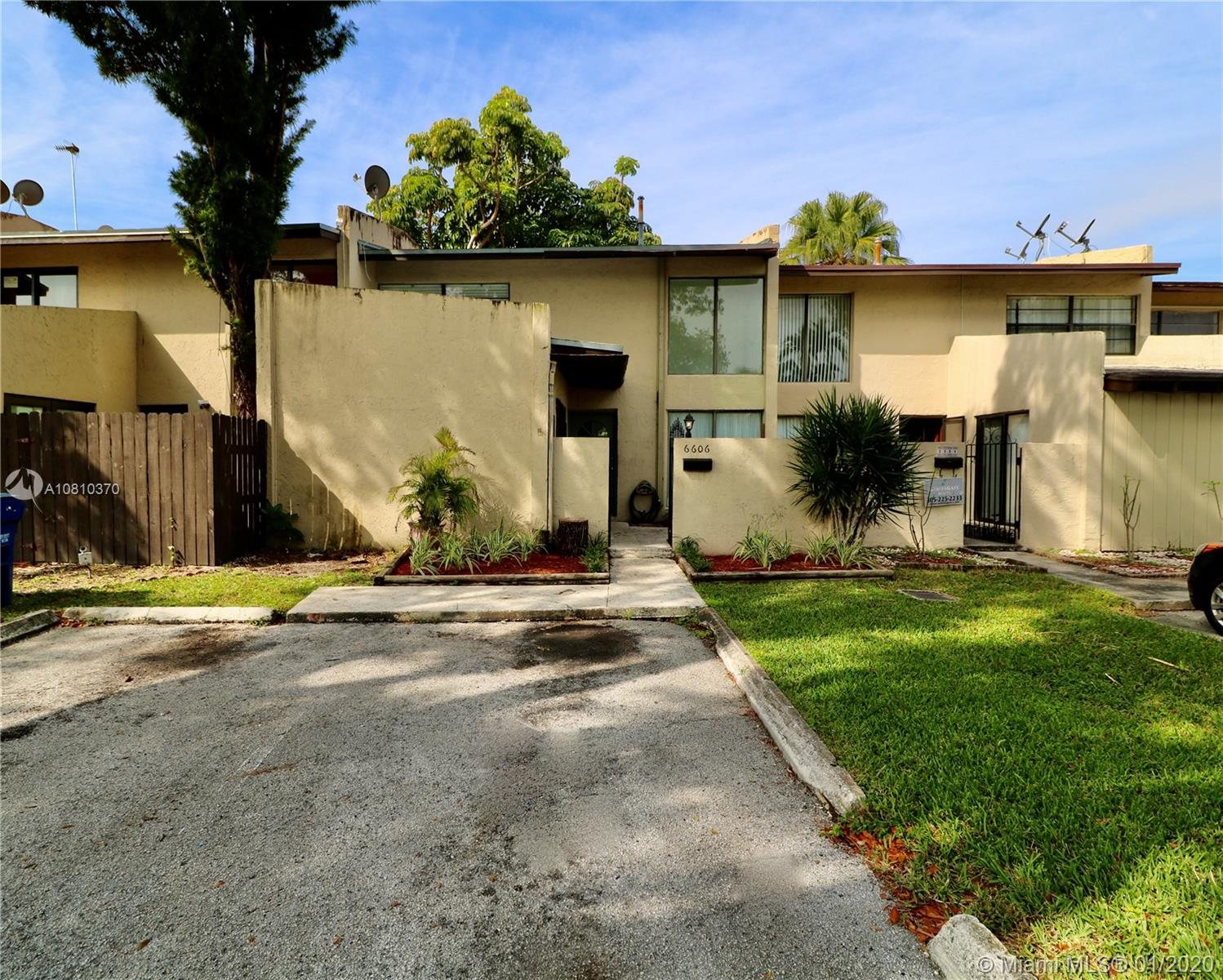 6606 SW 114th Ave  For Sale A10810370, FL