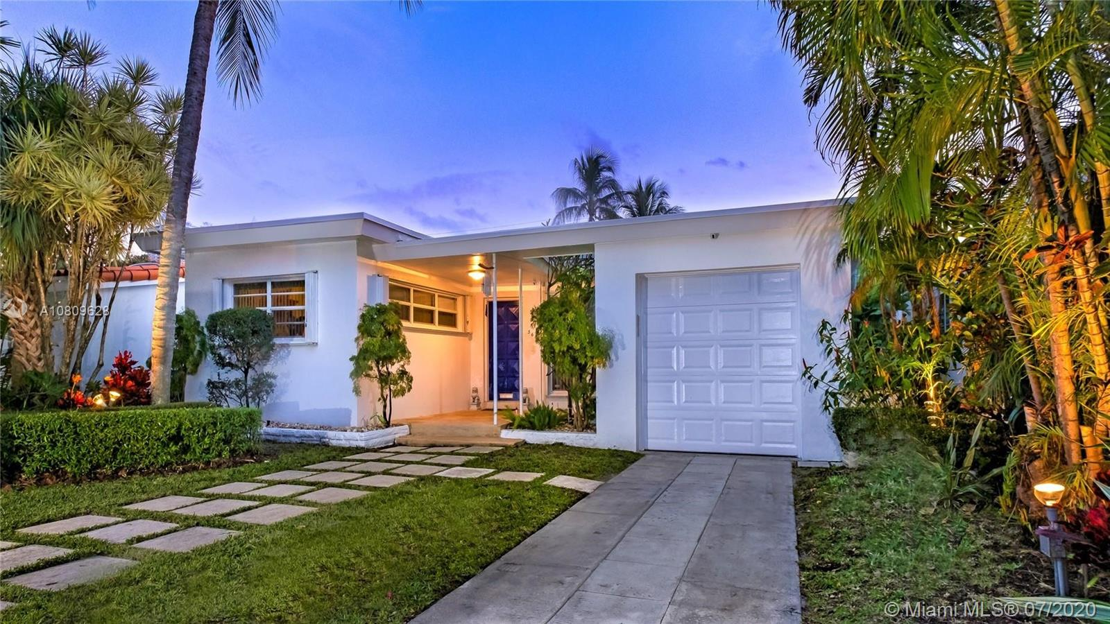 560 W 51st St  For Sale A10809628, FL