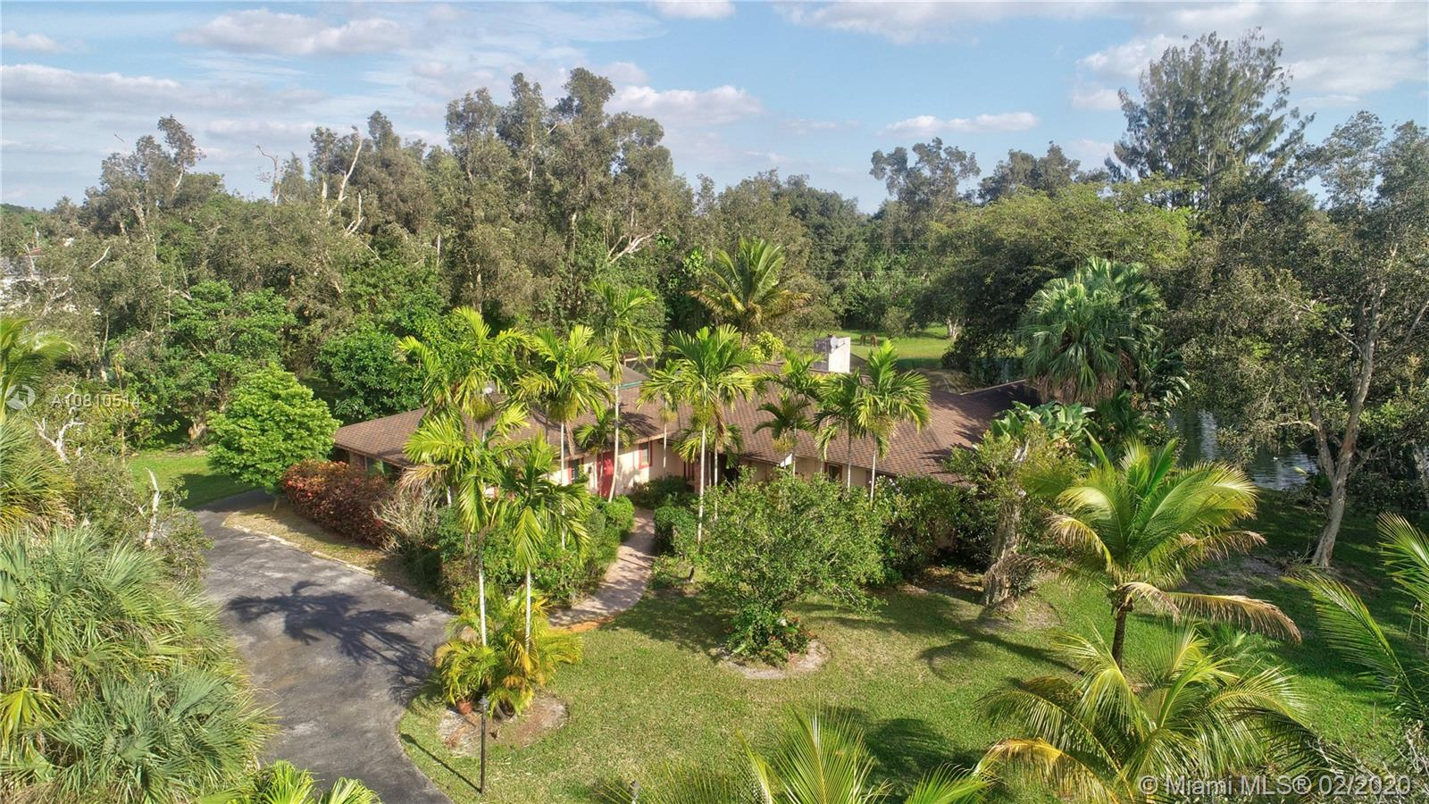13801  Stirling Rd  For Sale A10810514, FL