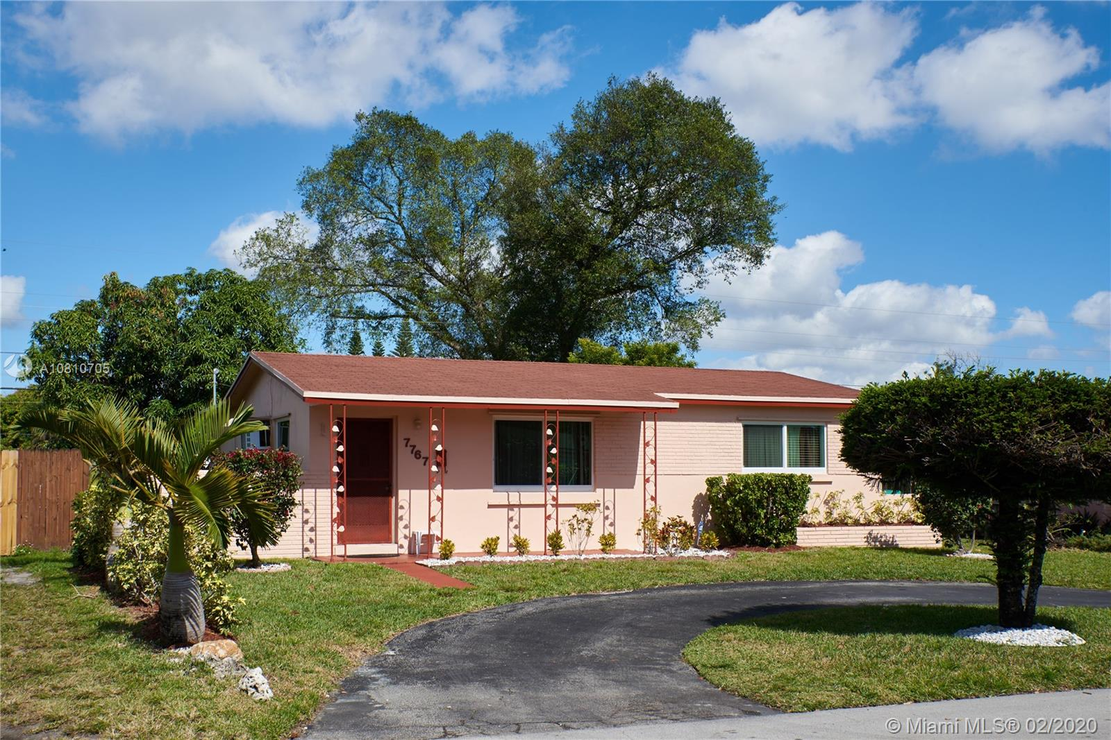 7767  Meridian St  For Sale A10810705, FL