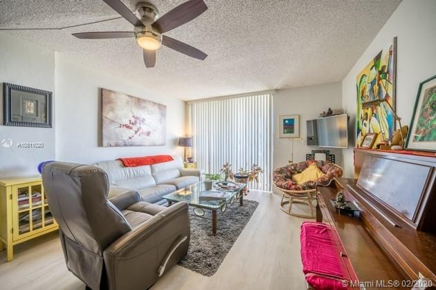 2715  Tigertail Ave #508 For Sale A10811020, FL