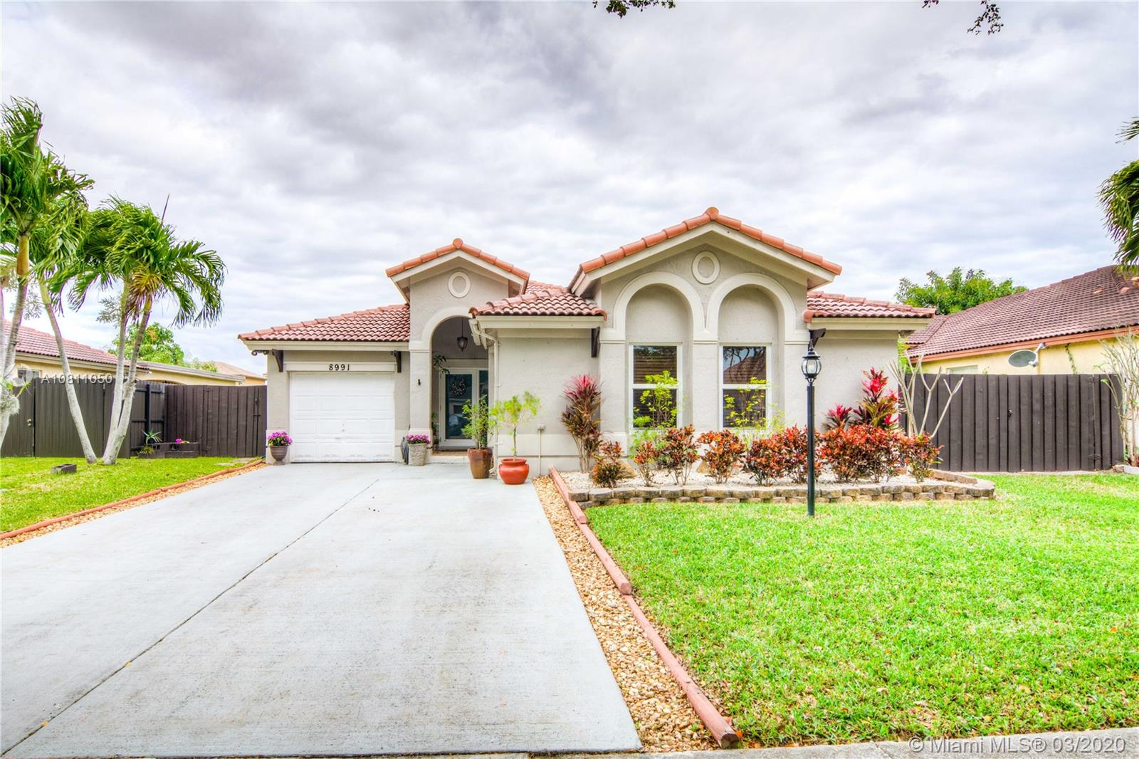 8991 SW 212th Ter  For Sale A10811050, FL