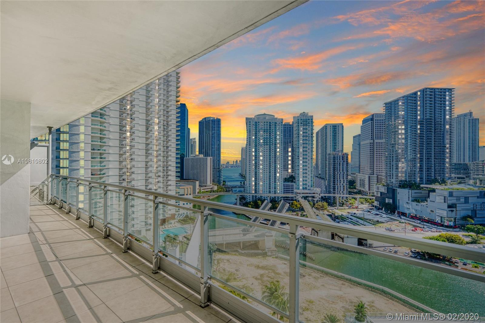 90 SW 3rd St #2215 For Sale A10810802, FL