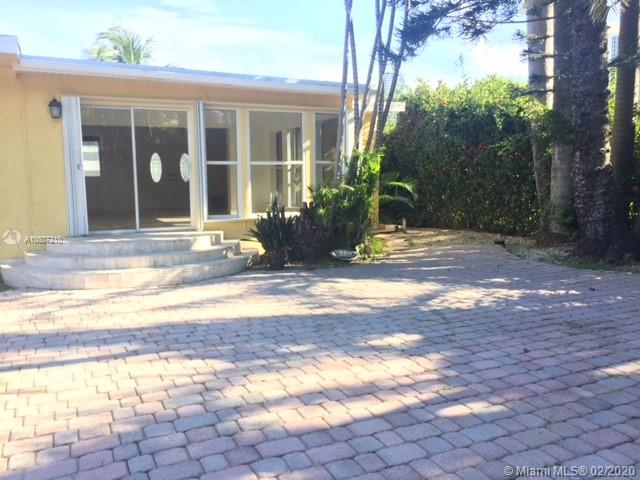 262  189th Ter  For Sale A10807210, FL