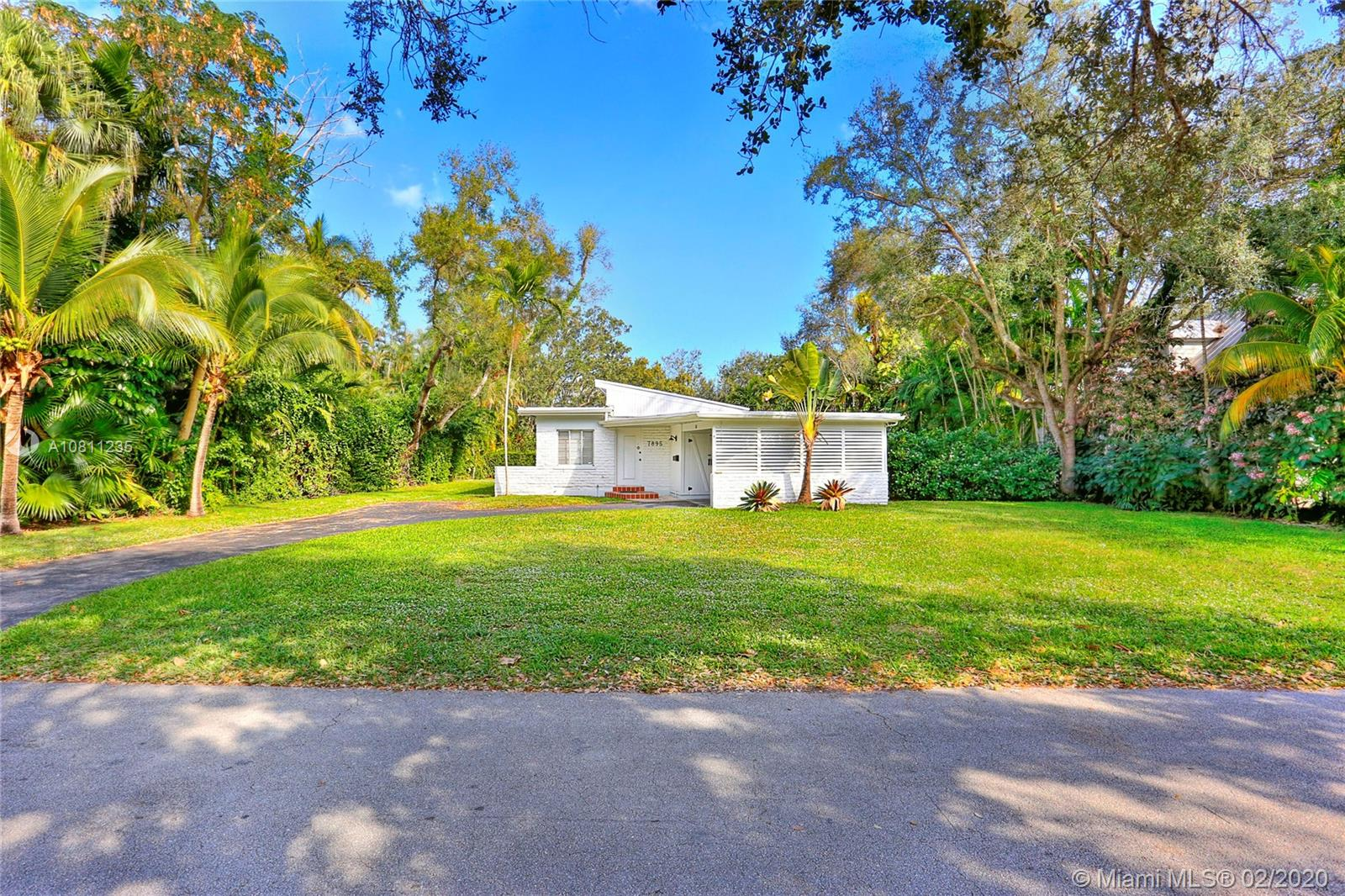 7895 SW 52nd Ct  For Sale A10811235, FL