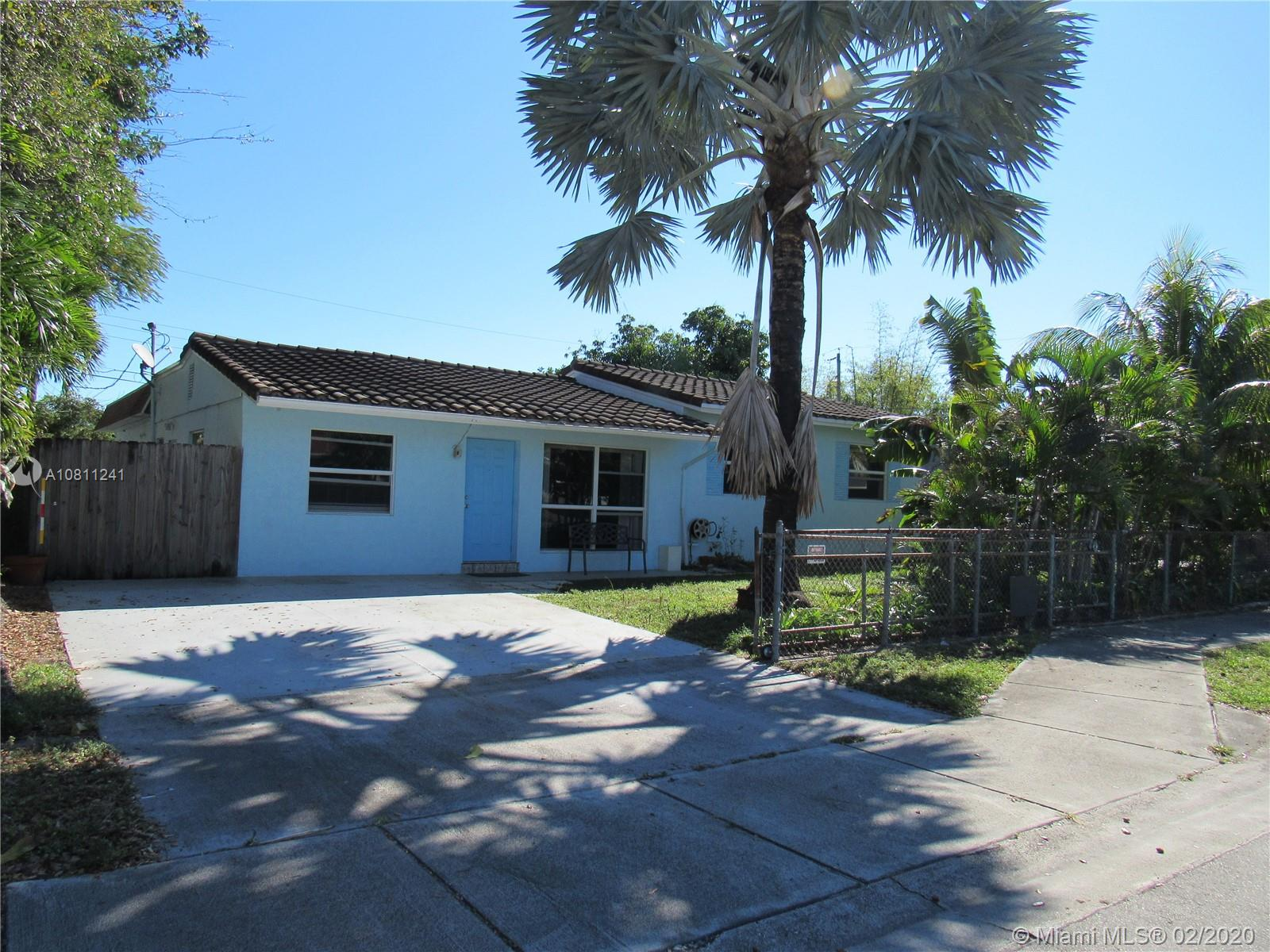 2280 SW 43rd Ave  For Sale A10811241, FL
