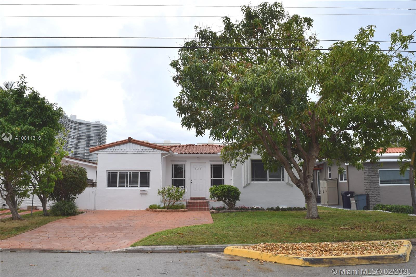 9557  Byron Ave  For Sale A10811316, FL