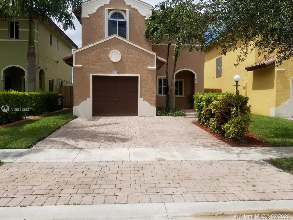 1238 NE 41st Ave  For Sale A10811808, FL