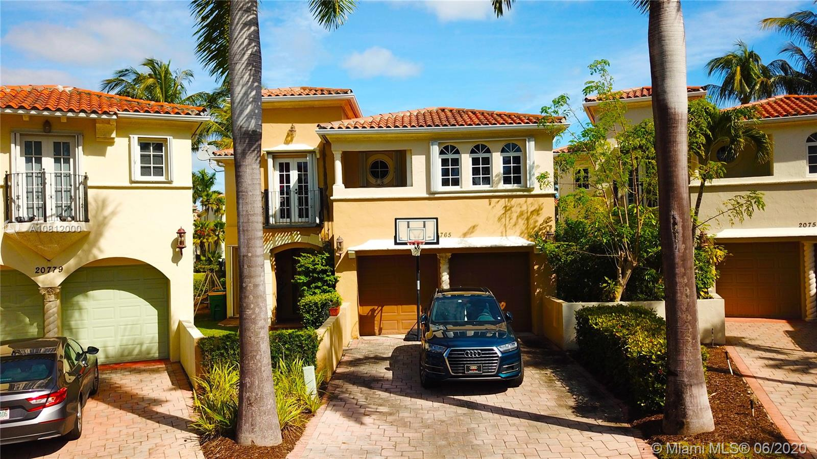 20765 NE 32nd Ave  For Sale A10812000, FL
