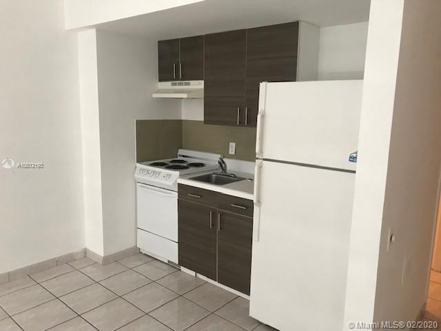 1250  West Ave #9J For Sale A10812193, FL