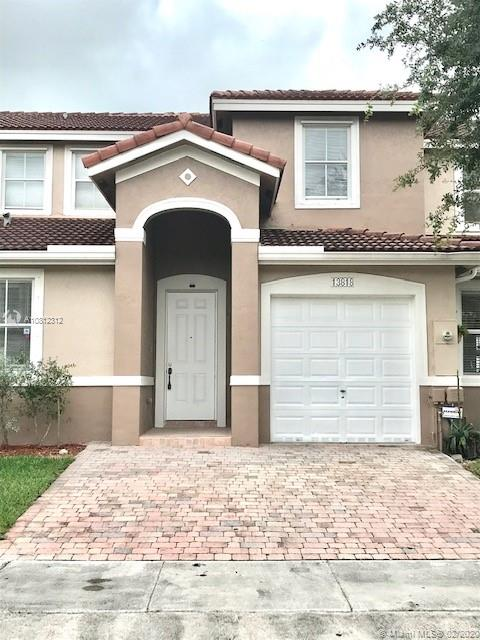 13818 SW 275th Ter  For Sale A10812312, FL