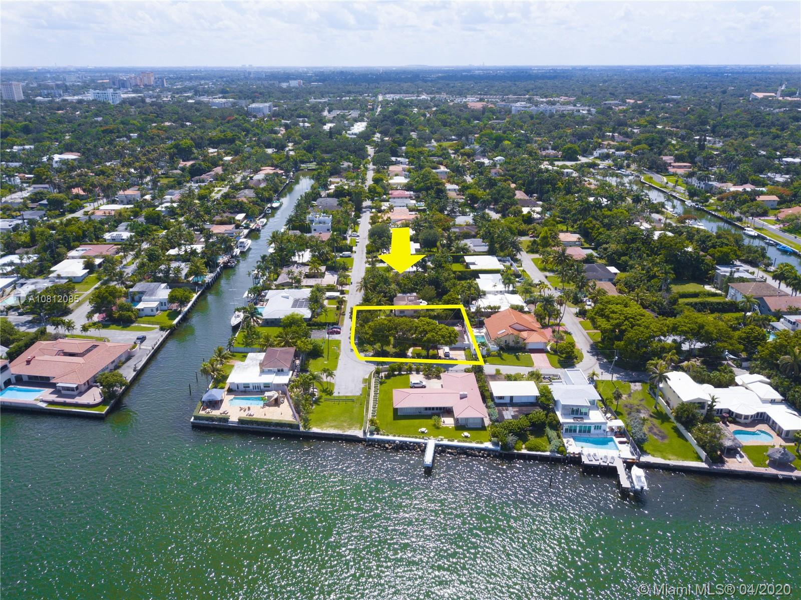 8700 N Bayshore Dr  For Sale A10812085, FL