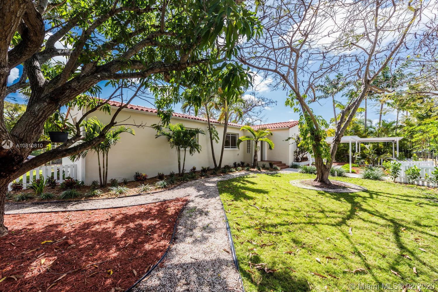 631 SW 23rd Rd  For Sale A10810810, FL