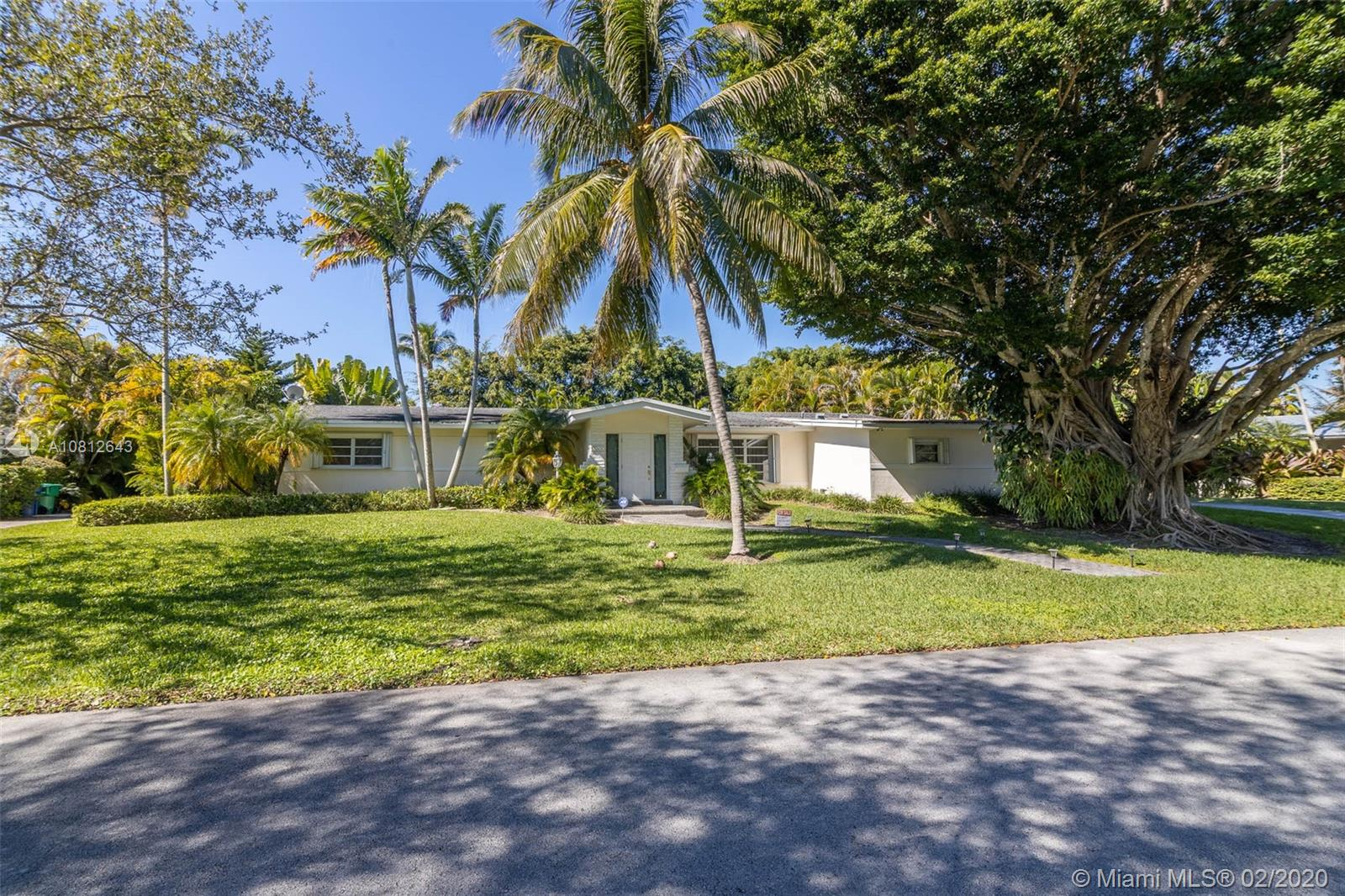13500 SW 73rd Ct  For Sale A10812643, FL