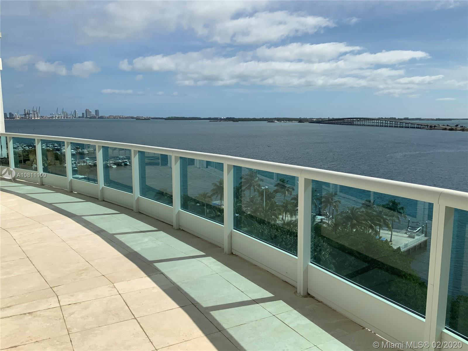 Enjoy direct Biscayne Bay, Miami Beach, Key Biscayne and Atlantic views from all rooms in this great duplex unit at Brickell Avenue's Bristol Tower. This 2 bedroom, 3.5 bathroom and 2 den unit features double-height ceilings in the living room, 3 terraces, gourmet eat-in kitchen, wet bar, his-and-hers bathrooms on the master suite, marble floors in the social areas and parquet floors in the private quarters and 2 assigned parking spots. Unit is very easily convertible into a 3 bedroom.