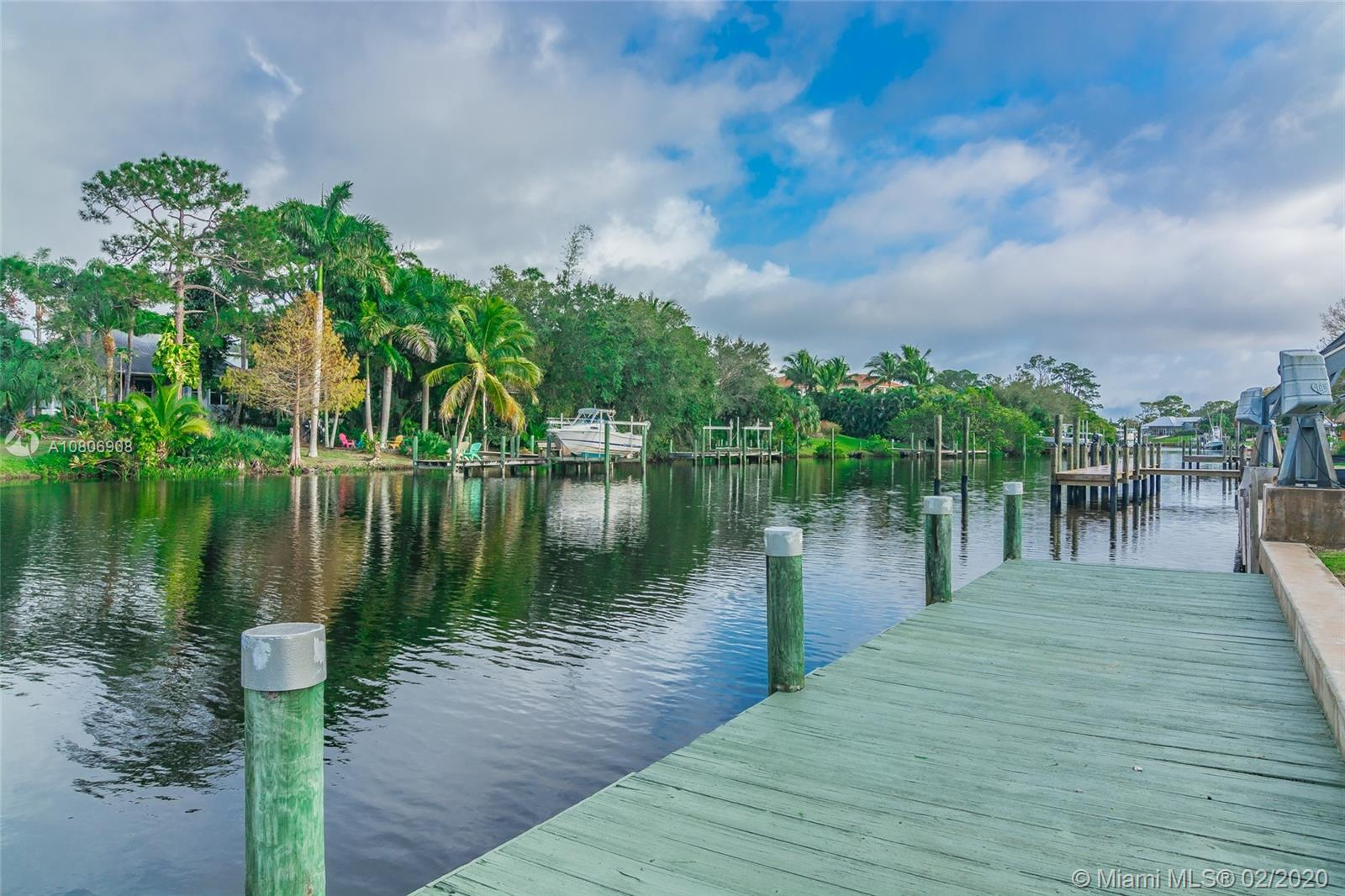 921 SW Pine Tree Ln., Palm City, FL 34990