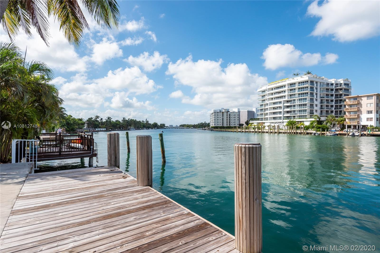 9424  Bay Dr  For Sale A10812748, FL