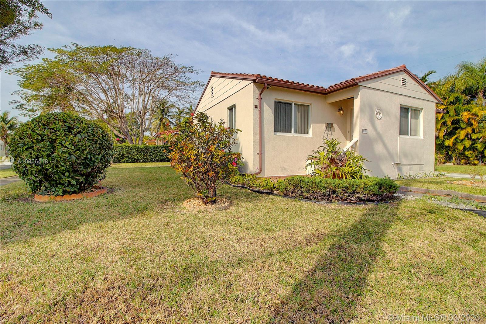 1860 SW 65th Ave  For Sale A10806418, FL