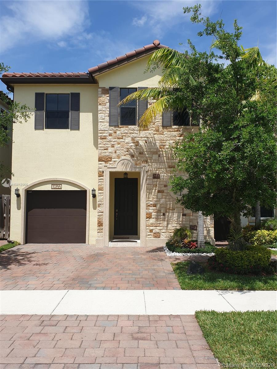 10355 NW 70th Ln  For Sale A10812966, FL